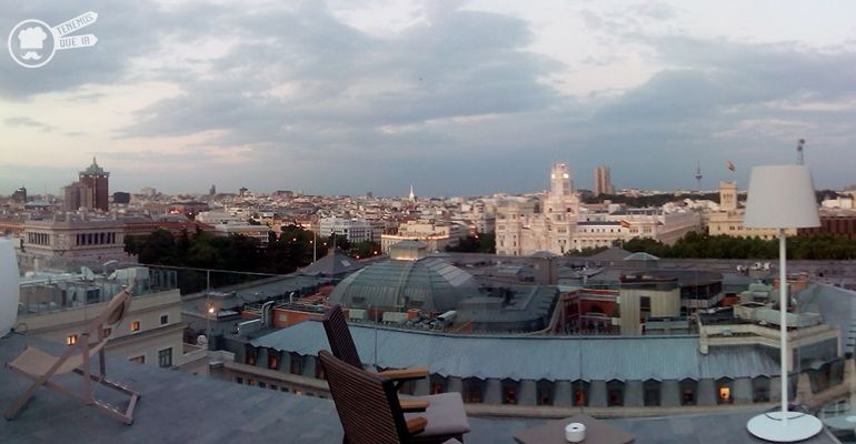 A la Terraza de hotel Melia insside Madrid SueciaTenemsoqueir