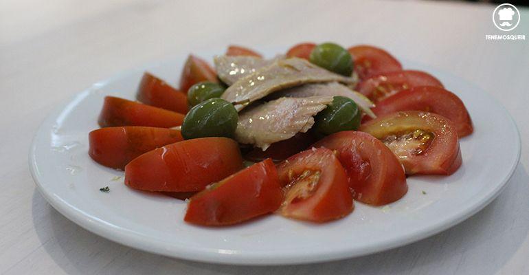 A Casa Julian Carnes a la Brasa Restaurante Madrid Tenemosqueir Tomate con Ventresca