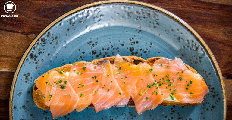Tosta de Salmon Al Restaurante Bendita Locura Tenemosqueir Madrid