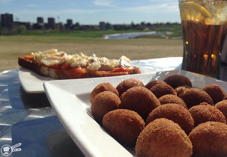 Cafeterias Campos de Golf Madrid Goicolea La Federacion Arroyo del Fresno Croquetas de Chipirones y Tosta de Bacalao