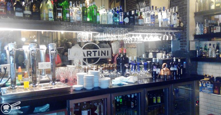 A Restaurante Lamucca Tenemosqueir Madrid Barra