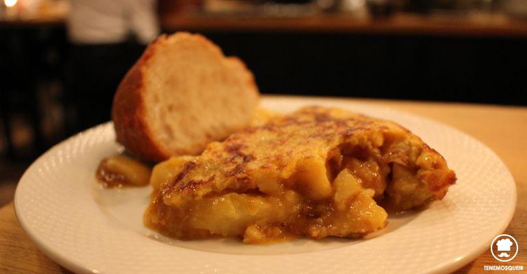 Tortilla de Patata Caramelizada Restaurante Bar de Pinchos Makkila Madrid Tenemosqueir