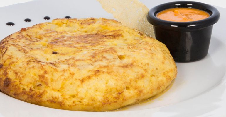 Tortilla con Salmorejo Cana Pozuelo Tenemosqueir