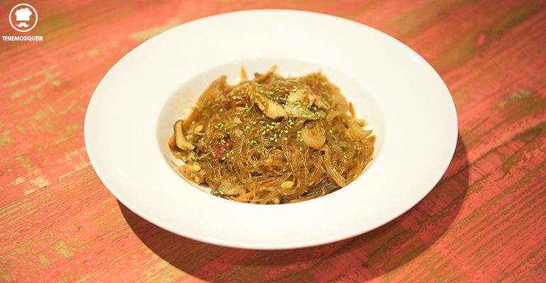 pancit-restaurante-filipino-namit-madrid-tenemosqueir